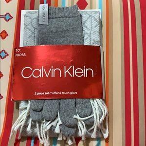 Calvin Klein 2 piece set muffler & touch glove